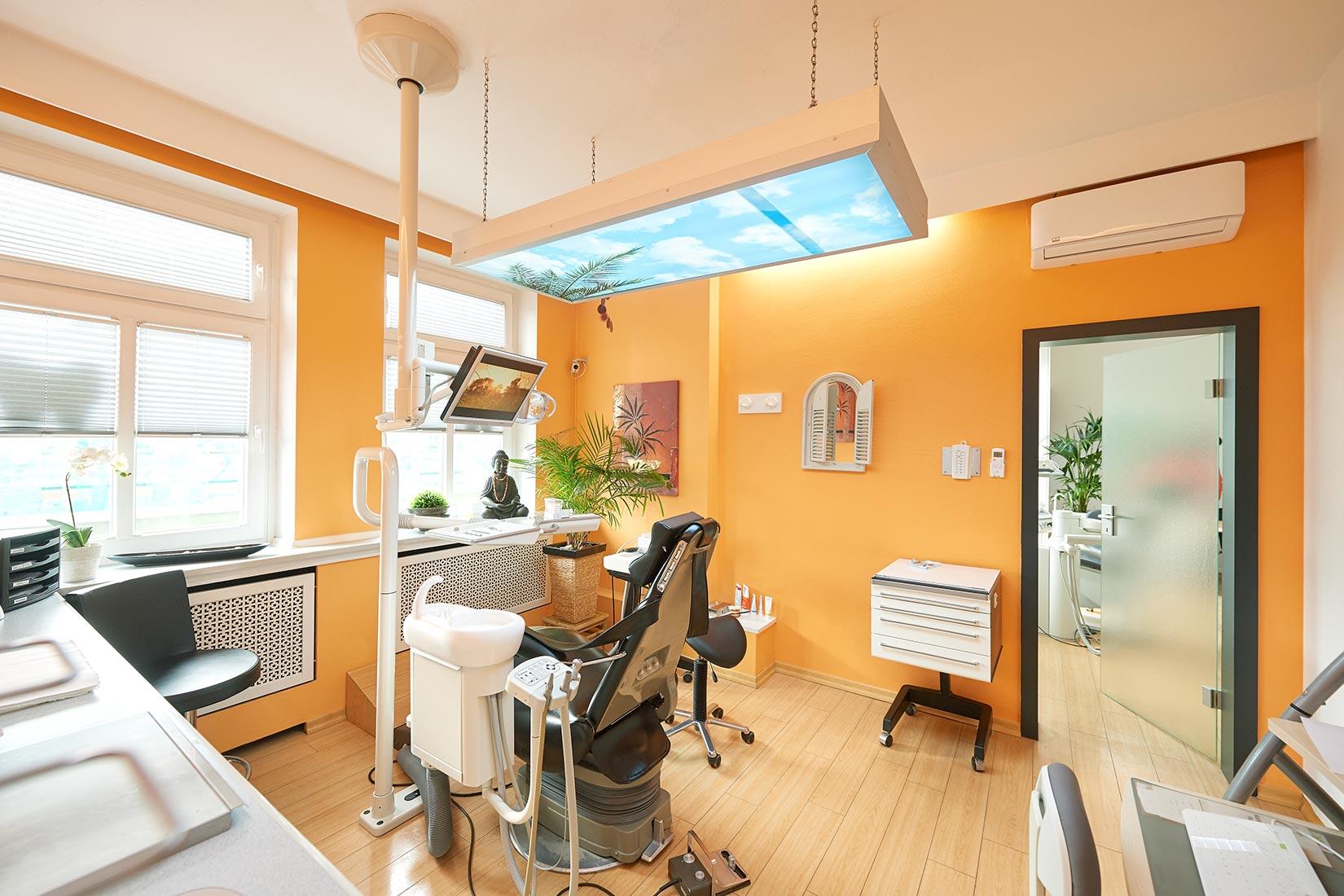 Corporate Fotografie Behandlungsraum Zahn Docs Diez