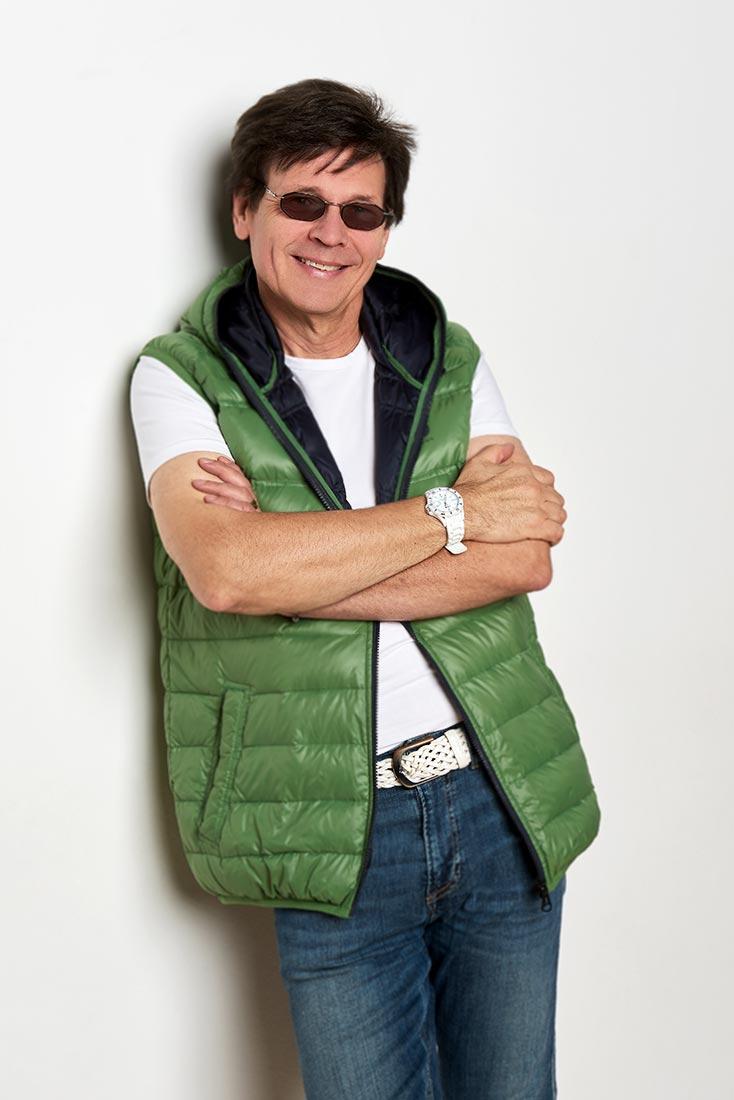Portraitfoto - Mann mit Sonnenbrille