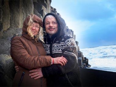 Hochzeitfoto am Strand auf Island