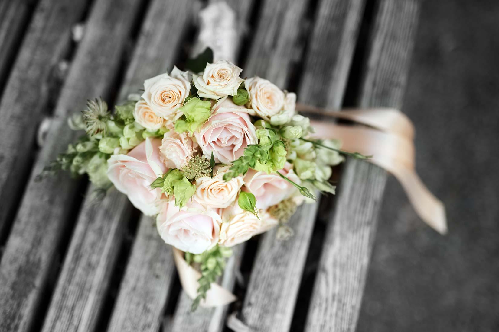Hochzeitsstrauß schwarz-weiß/farbig – Hochzeitsfotos Koblenz