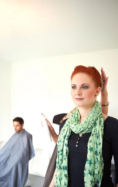 Braut beim Friseur – Hochzeitsreportage Get-Ready