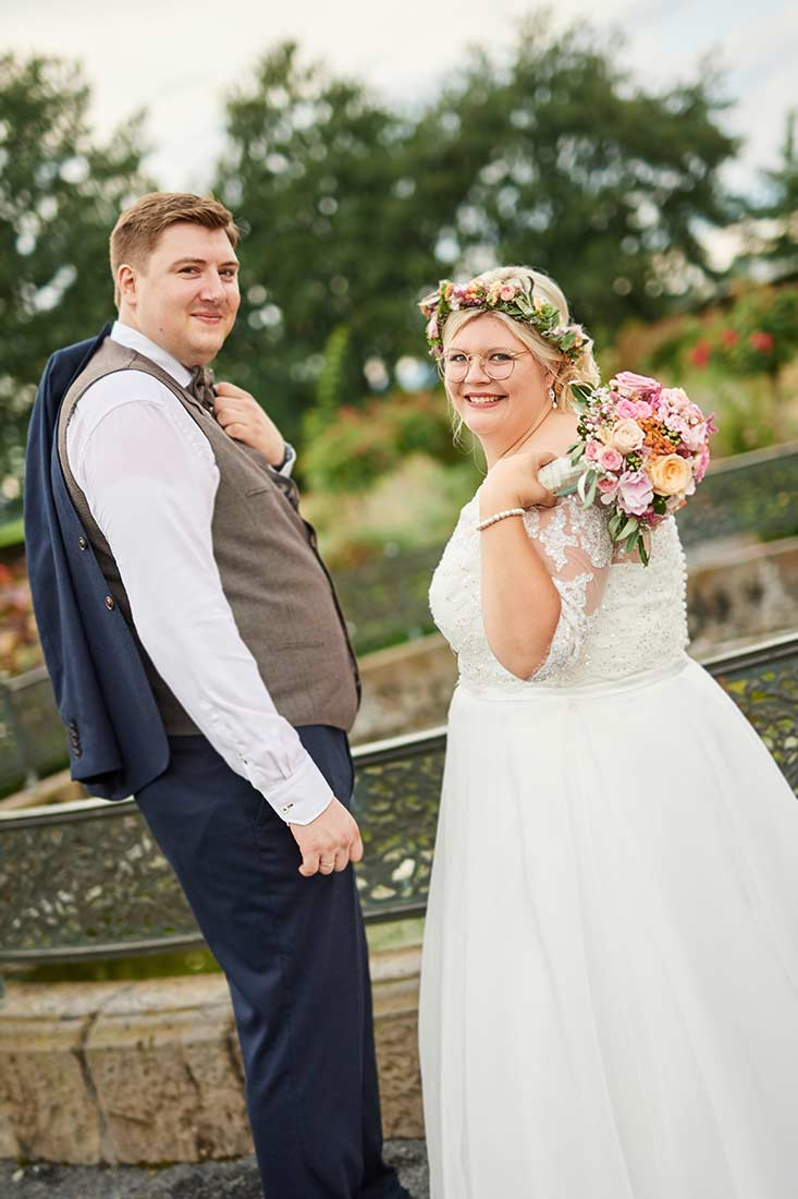 Brautpaar im Abteipark Rommersdorf– Hochzeitsfotos Neuwied