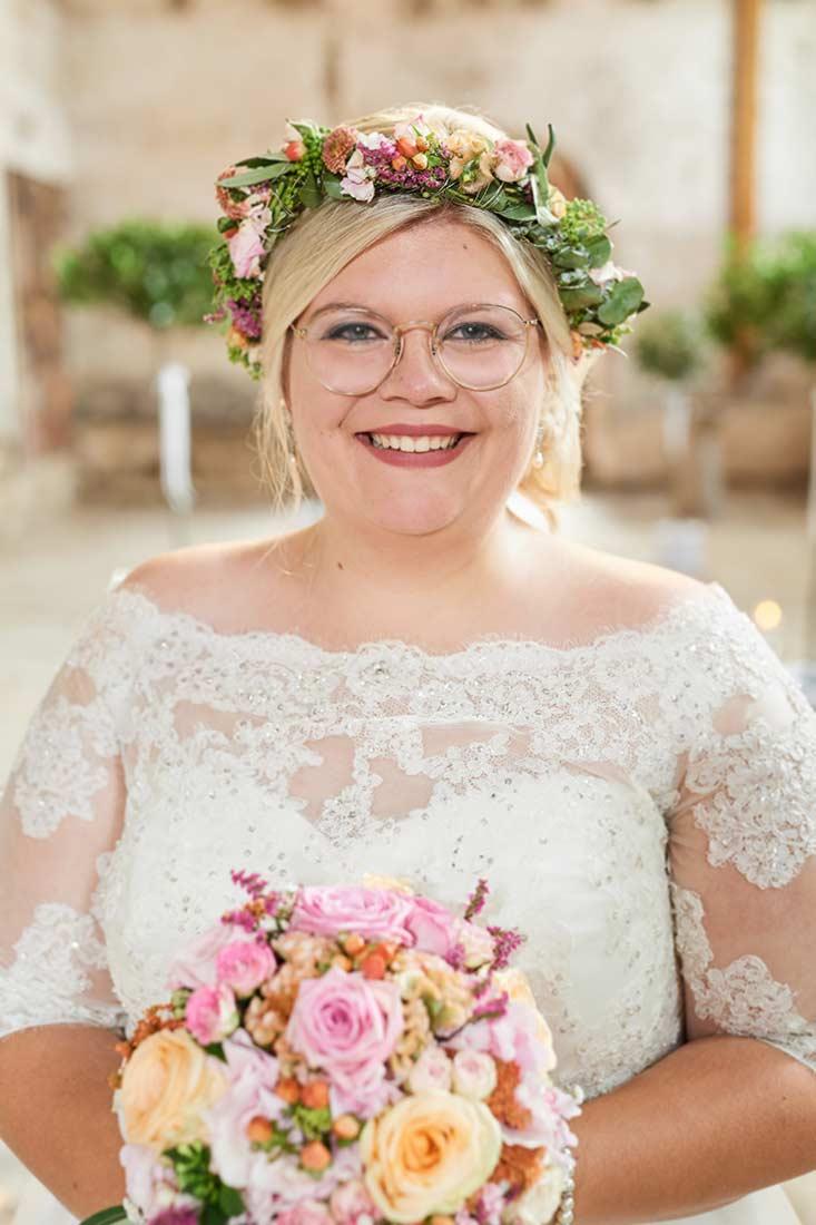 Braut in Abtei Rommersdorf– Hochzeitsfoto Neuwied