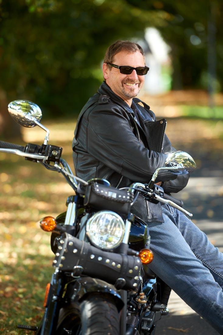 Portraitfoto - Biker auf Harley in Ruppach