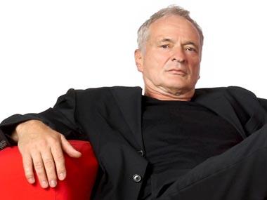 Portraitfoto - Senior auf Sofa